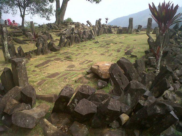 Gunung-padang-site
