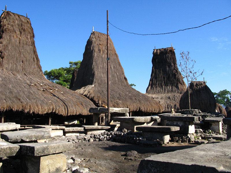 Kampung Tarung Waitabar